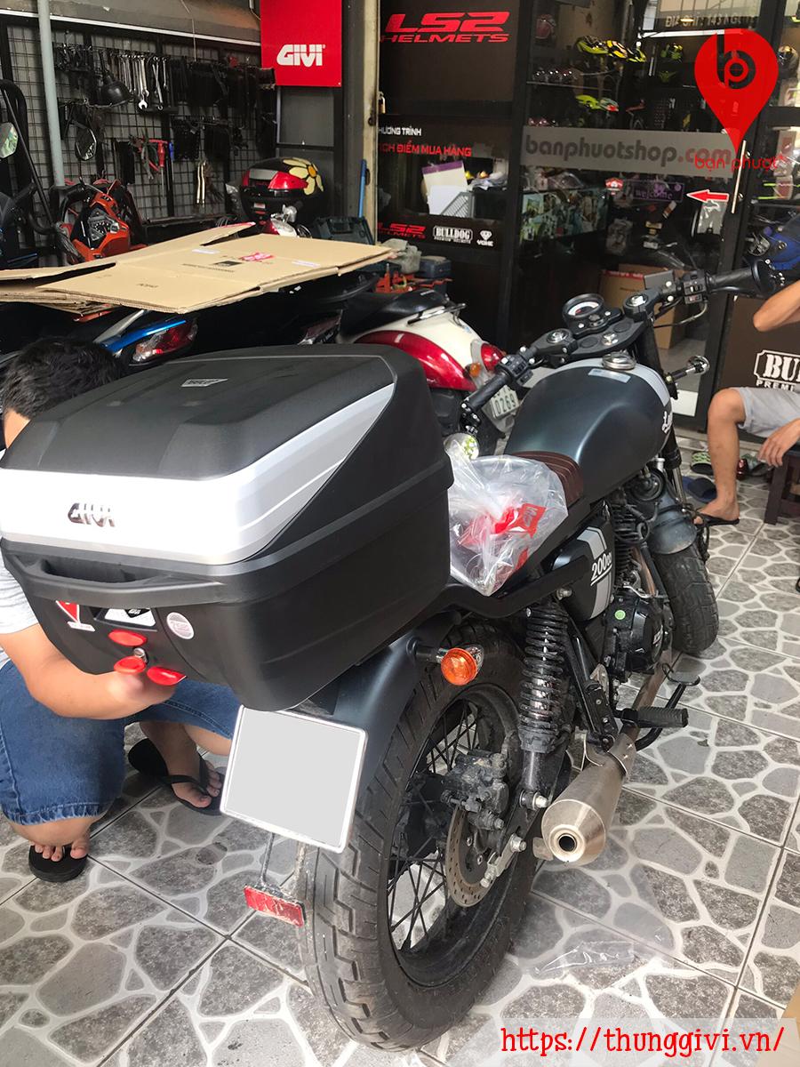 Thùng GIVI Gắn Cho GPX Legend 200cc